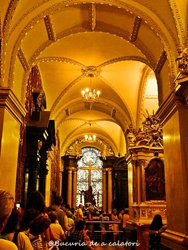 jasnagora.altar.capelafecioaramaria2.coada